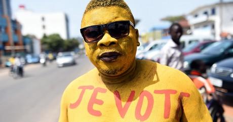 Un électeur lors du scrutin présidentiel du Bénin, le 4 mars 2016. Crédit photo: PIUS UTOMI EKPEI / AFP