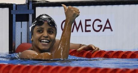Simone Manuel est arrivée première ex aequo du 100m nage libre jeudi 11 août à Rio. CHRISTOPHE SIMON / AFP