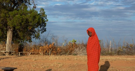 Une femme de la communauté Yaaku, le 7 octobre 2010 dans la région du Mont Kenya. BORIS BACHORZ / AFP