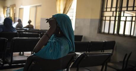 Une femme à l'hôpital psychiatrique de Maiduguri, le 16 septembre 2016. STEFAN HEUNIS / AFP