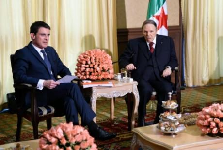 Le Premier ministre français Valls reçu par le président algérien Bouteflika, le 10 avril 2016. Photo: AFP/Feferberg