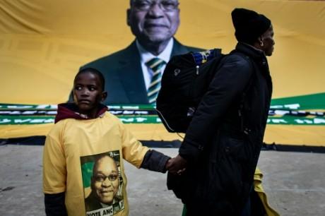 Des partisans de Jacob Zuma à Johannesburg, le 31 juillet 2016 AFP/Archives JOHN WESSELS