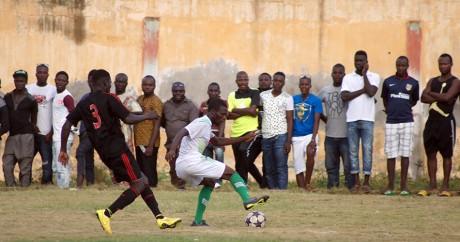 Un match de première division togolaise à Lomé, le 27 septembre 2015. EMILE KOUTON / AFP