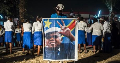 Un partisan d'Etienne Tshisekedi lors d'un rassemblement,  le 27 juillet 2016 à Kinshasa. Eduardo Soteras / AFP