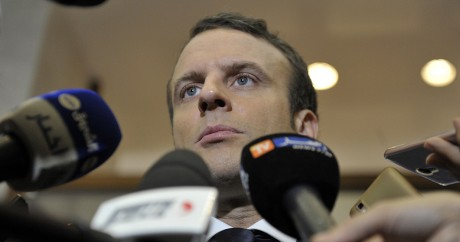 Emmanuel Macron en Algérie, le 14 février 2017. STRINGER / AFP