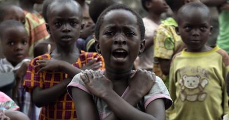 Des enfants à l'orphelinat de Tulizeni en RD Congo dans la région de Goma le 21 avril 2016. PABLO PORCIUNCULA / AFP