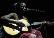 Au Cameroun, Kareyce est en haut