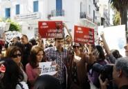 Les médias tunisiens refusent d'être bâillonnés