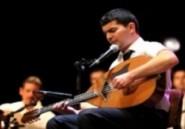 Nassim Tabet, musicien classique ambitieux et terrible gaucher au mandole chaâbi