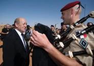 """Le Drian au Mali: """"la menace de déstabilisation est partout"""""""