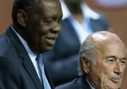 Nommé à la tête de la Fifa, le Camerounais Hayatou est tout aussi suspect que Blatter
