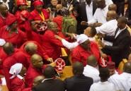 Afrique du Sud: interrogations après la foire d'empoigne au parlement