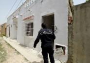 """Tunisie: """"terrorisme dehors"""", scandent des centaines de manifestants"""