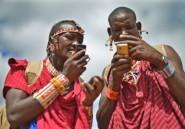 """Kenya: des Masaï """"gardiens de lions"""" troquent leur lance pour un GPS"""