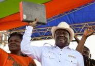 "Kenya: l'opposition ""investit"" Raila Odinga malgré sa défaite électorale"