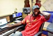 """Sierra-Leone: la """"pop star du peuple"""", bête noire des autorités"""