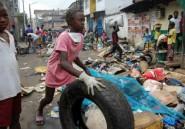 """""""Nettoyage de printemps"""" géant en Sierra Leone, sur ordre du président"""
