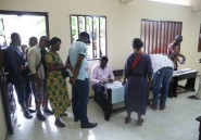 Législatives au Gabon: l'opposition dénonce des fraudes