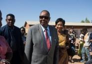 Malawi: le sortant Muthurika mène d'une courte tête la course