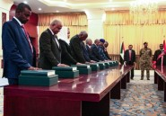 Soudan: le premier gouvernement post-Béchir prête serment