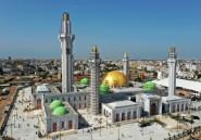 Une nouvelle grande mosquée draine des masses de fidèles