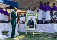 """Au Zimbabwe, la """"bataille pour le corps"""" de Mugabe a fait rage jusqu'au bout"""