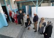 Homme d'affaires ou juriste? Les Tunisiens votent pour une présidentielle