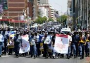Afrique du Sud: la police défile contre les violences faites aux femmes