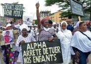 Guinée: des centaines de Guinéens défilent derrière les cercueils de manifestants tués