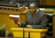 En Afrique du Sud, un projet de budget acrobatique sur fond de crise