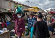 Sur les marchés malgaches, le fructueux bazar des potions anti-coronavirus