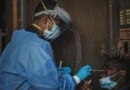 En Afrique du Sud, les chasseurs de coronavirus entrent dans les townships
