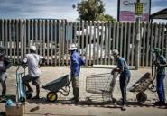 En Afrique du Sud, distribution alimentaire géante aux confinés les plus démunis