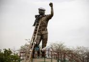 Burkina: une statue de Sankara réinstallée après avoir été modifiée