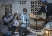 Malawi: le sortant dénonce des irrégularités dans la présidentielle de mardi