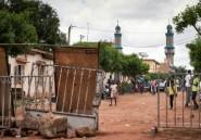 Mali: hommage aux morts de la contestation et médiation diplomatique