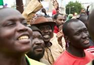 """Coup d'Etat au Mali: des milliers de personnes fêtent """"la victoire du peuple"""""""