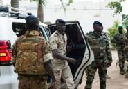 L'armée du Mali, durement éprouvée, fortement politisée