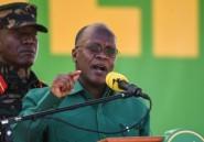 Coups de canon et défilés militaires: John Magufuli prête